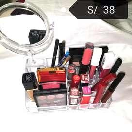 Espejo led y organizador de maquillaje