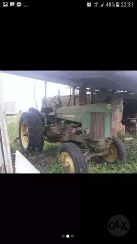 Vendo tractor de colección John Deere 730 No funciona.