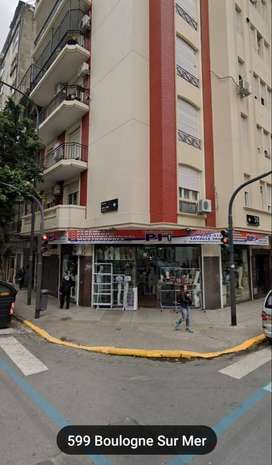 DUEÑO DIRECTO ALQUILA LOCAL ESQ. LAVALLE 2801 EN BALVANERA/ONCE.