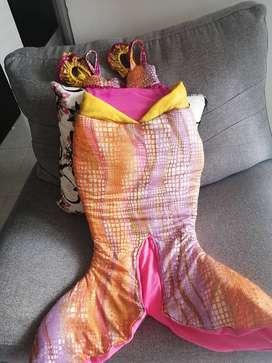 Se vende disfraz de sirena