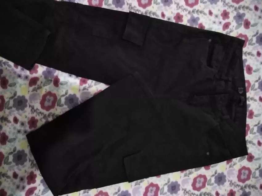 Pantalón bolsillos 0