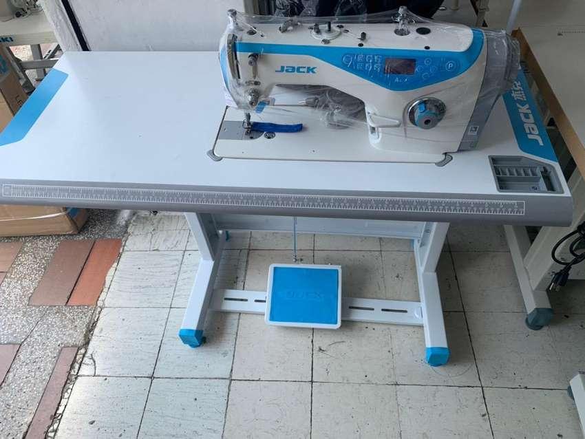 Maquina de coser plana 0