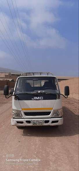 Camion doble cabina tipo baranda