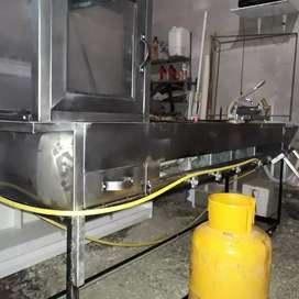 Cocina industrial para comidas rapidas de acero inoxidable.
