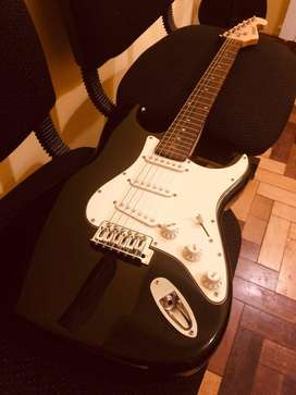 Guitarra Midland Stratocaster - Impecable