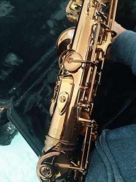 saxofon yamaha flamante