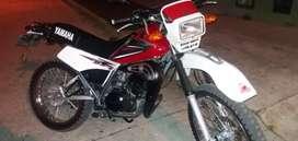 Vendo moto DT 125 standart original