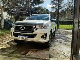 Toyota hilux srx 4x4 mt 2019