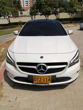 Mercedes Benz CLA 180 blanco