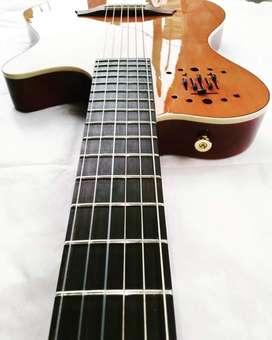 Guitarra Sólida Electroacustica de Nylon