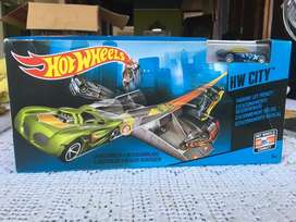 Hotwheels city estacionamiento radical