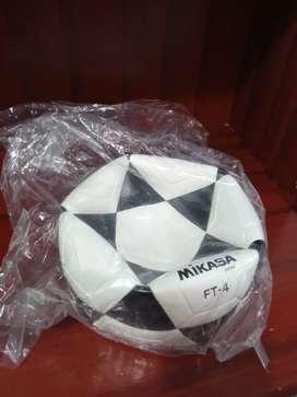 Pelota de fútbol $35 #4 MIKASA