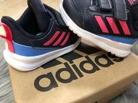 Zapatillas adidas nuevas talle 19 originales en caja