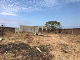 Alquiler de un terreno de 3.000 m2  terraplenado en el sector de Fincas Delia en Durán