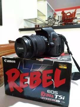 Cámara Canon Rebel T5i