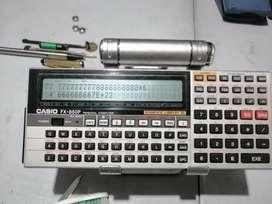 Calculadora Casio fx 850 programable basic 116 programas más de 1000 funciones  despixelado lateral