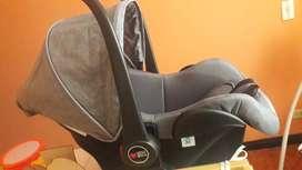 Porta bebe nuevo o silla de carro