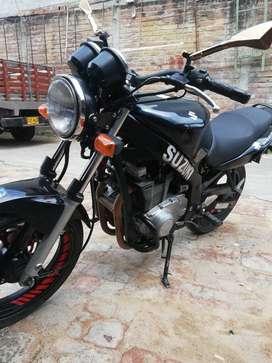Vendo moto suzuki gs 500