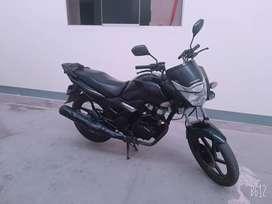 Moto HONDA 150 CBF.