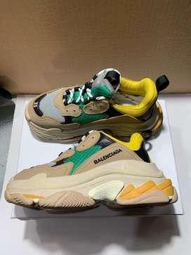 Zapatos Balenciaga Triple S Talla 34
