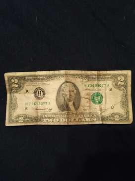 Billete de 2 Dólares en Uso 45 Años Anti