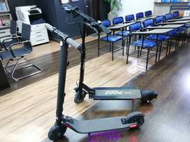 Monopatín eléctrico Ninebot ES2 y Emove Touring