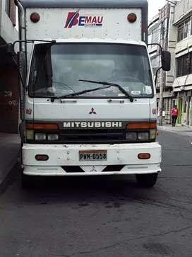 Vendo camión mitsubishi año 99