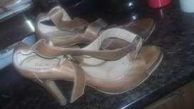 Zapatos Sandalias de Cuero Color Camel Mostaza Marca Lucerna