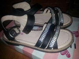 Vendo Sandalias de Nena Un Solo Uso