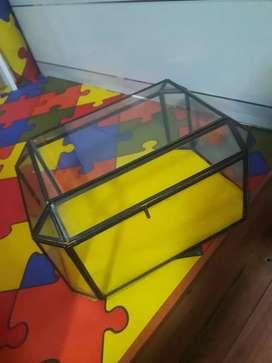 Cofre vitrina en vidrio