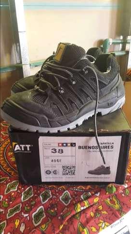 Vendo zapatillas de seguridad NUEVAS