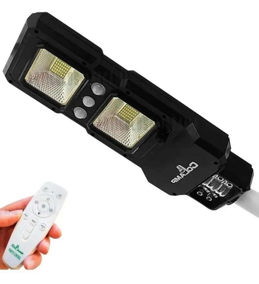 LAMPARA SOLAR LED PARA EXTERIOR DE 70W CON SENSOR DE LUZ REF. CL-185 0