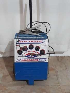 Vendo soldadora electrica 200 amp.