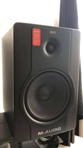 M-Audio Bx8 D2 Monitores