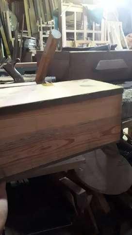 HACEMOS TRABAJOS DE CARPINTERIA.. HERRERIA Y PINTURA..