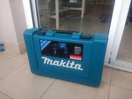 ROTOMARTILLO PERCUTOR MAKITA HR2470 con MALETA