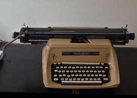 MAQUINA DE ESCRIBIR SPERRY RAND REMINGTON