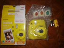 Vendo cámara instax mini 9. NUEVA