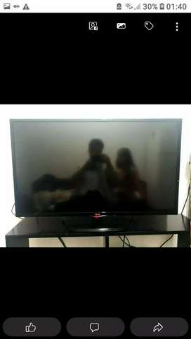 TV LED. LG 42. 2K 1440p. Nueva .  !no Smart!