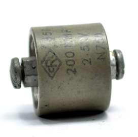 capacitor cerámico 200 pF, 0.2 nF 2.5KV .00012 uF