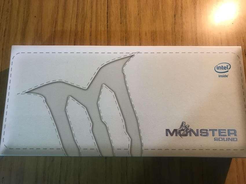 Caja con Cierre Magneticotablet Monster