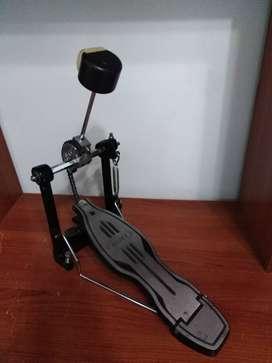 Pedal  sencillo Mapex P500