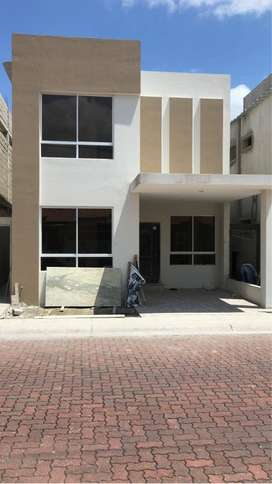C051 - Venta Casa en La Joya 3 dormitorios Moderna a Estrenar - Daule
