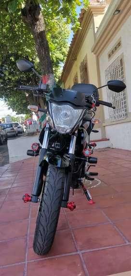 SE VENDE MOTO GIXXER EN EXCELENTE ESTADO