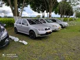 Se vende excelente Skoda modelo 2002, con documentos al día, 150.000 kilómetros, en muy buen estado. Traspaso inmediato.