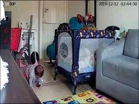 Corral para bebé. Excelente estado. Con toldillo en velo y techito. Super barato y prácticamente sin uso.