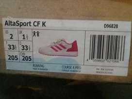 Vendo zapatillas adidas para niña