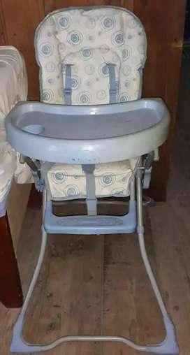 Se vende silla pa comer