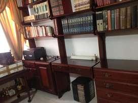 Biblioteca de Caoba