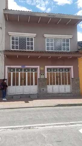 En oportunidad casa comercial en venta en pleno centro de cuenca con local comercial sector san sebastian bellavista
